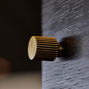 Beslag Design Möbelknoppar - Model Helix Stripe