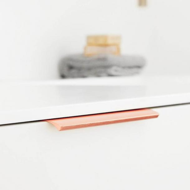 Kopi af Furniture Handle - Brushed copper - EDGE STRAIGHT - 200 mm