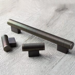 Turnstyle Designs Möbelhandtag - WIRE SCROLL -  Modell P3555