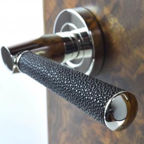 Dörrhandtag - Model D2005 Turnstyle Design