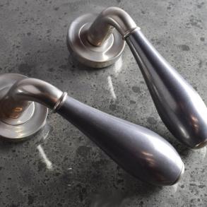Dörrhandtag - Model DF3025 Turnstyle Design