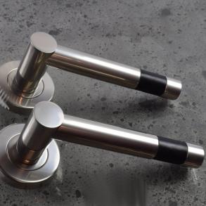 Dörrhandtag - Model R1020 Turnstyle Design