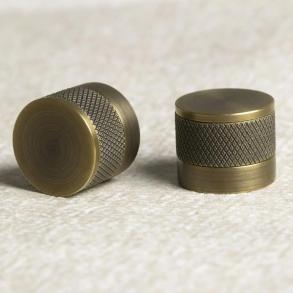 Turnstyle designar möbelknoppen modell S1184